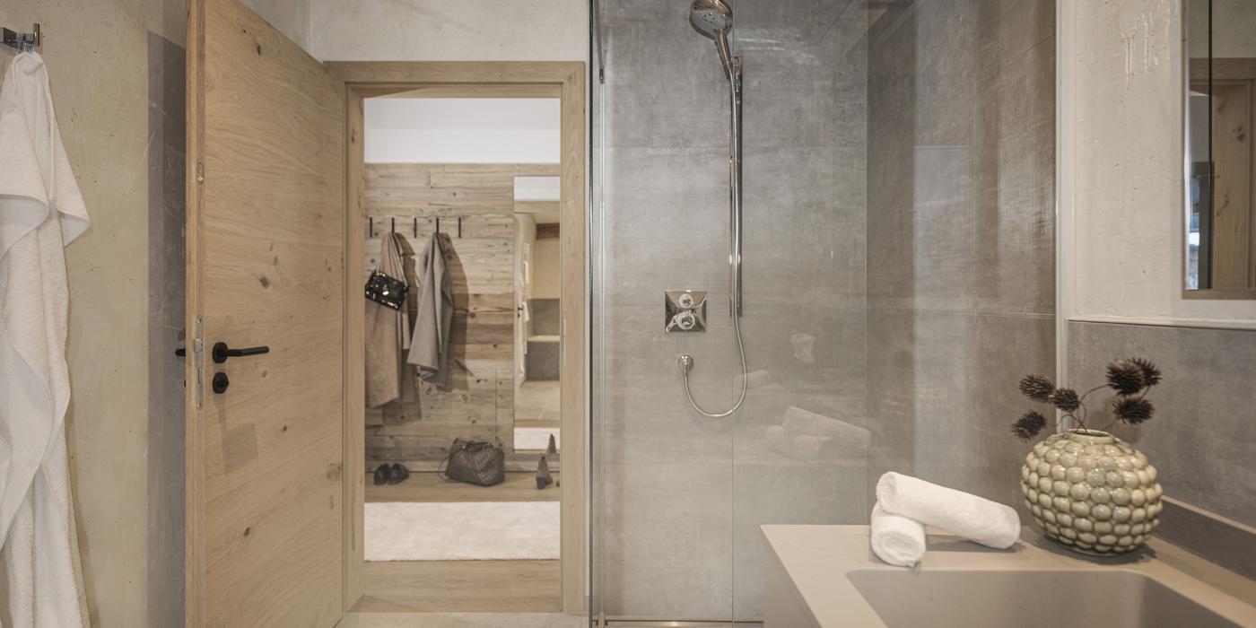 Bathroom with bathtub at Apartment Lovely Frieda