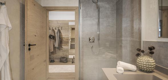 bathroom with Walk-in shower and bathtub