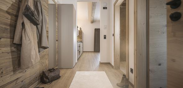 entrance area with spacious wardrobe at Apartment Lovely Frieda